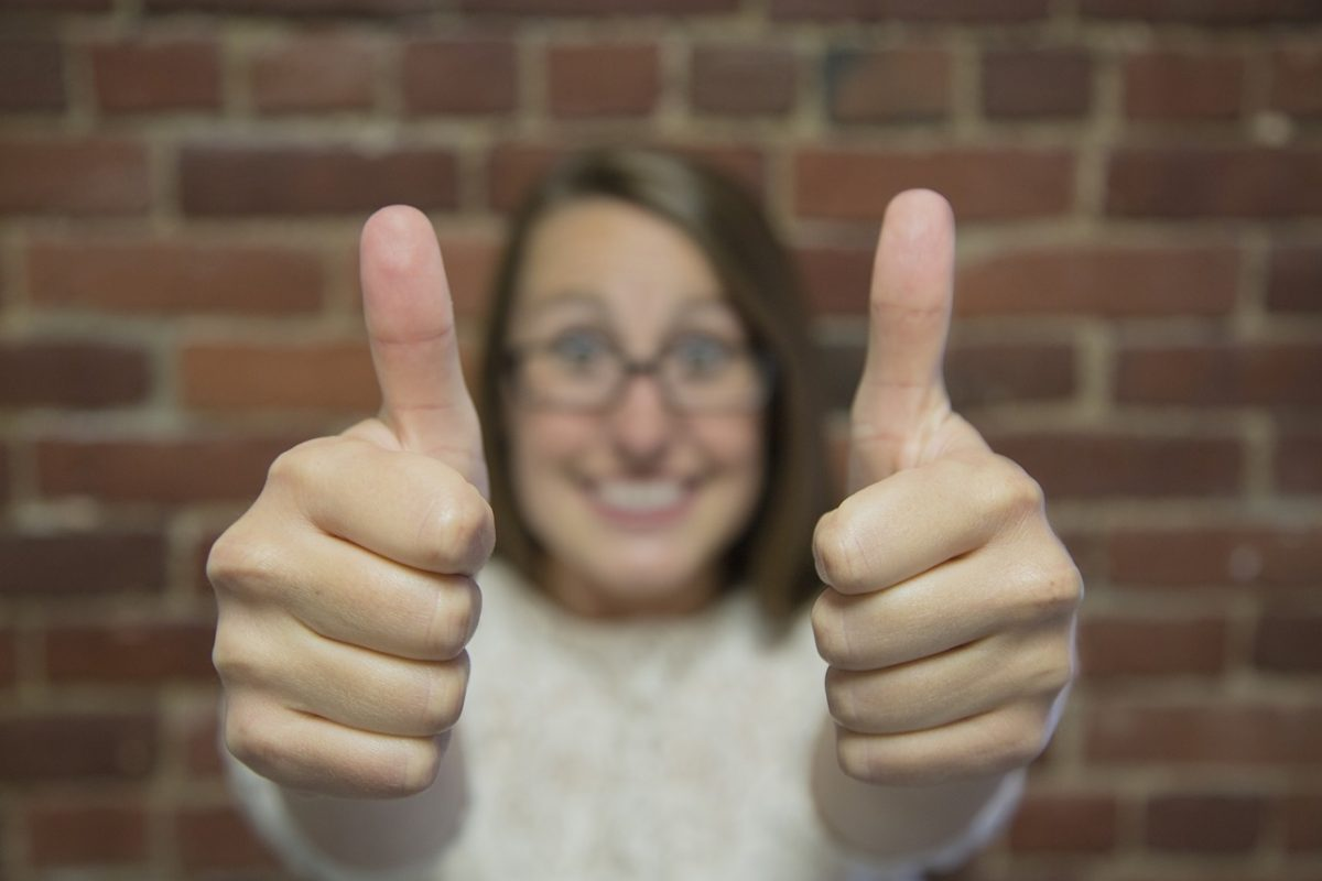 Facebook ad approval - thumbs up